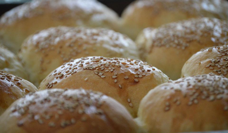 Pan de hamburguesas - Laura Di Cola