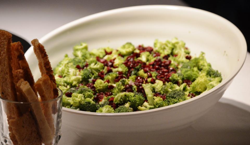 Brócoli fresco en ensalada - Laura Di Cola