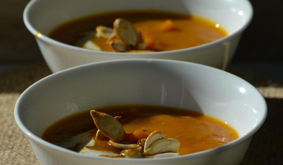 Sopa de calabaza y curry - Laura Di Cola