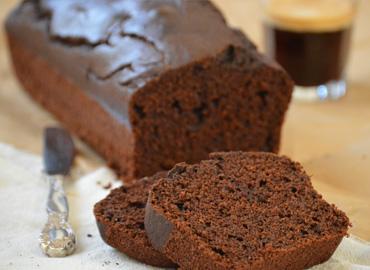 Budín integral de algarroba, cacao, chocolate y cafe